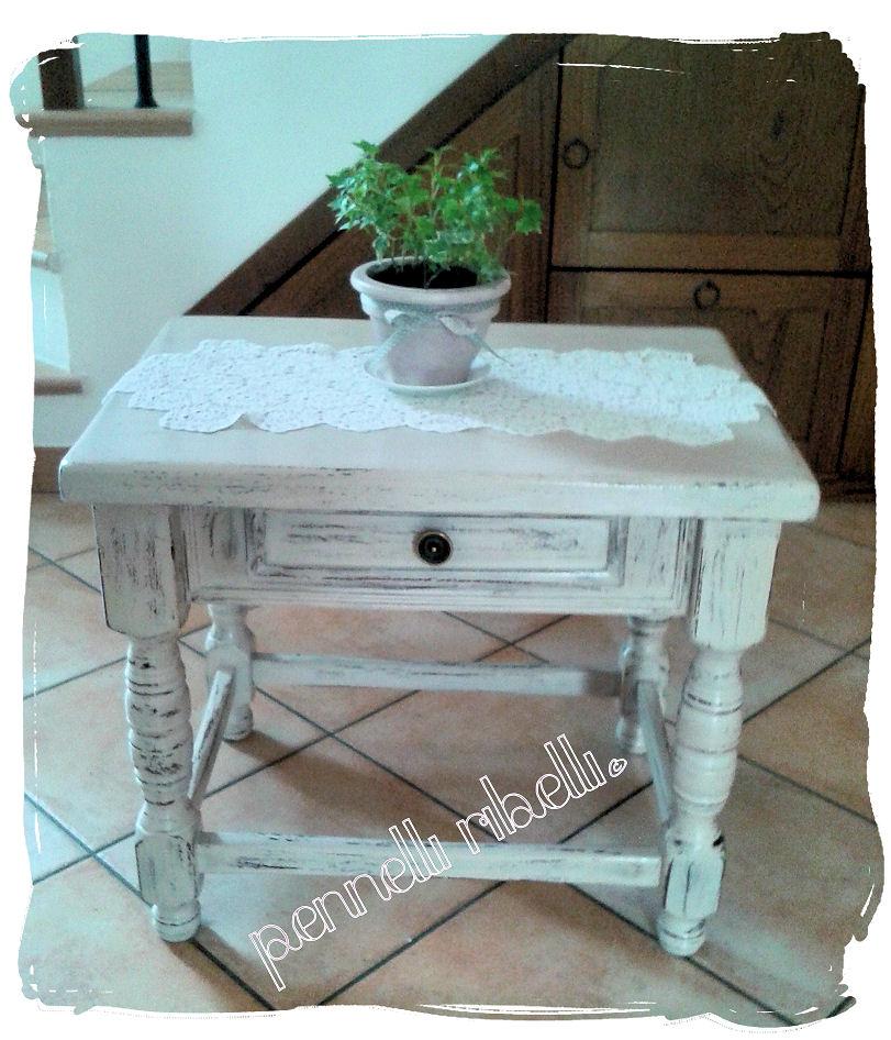 W.I.P.: Tavolino shabby-chic finito! – Pennelli Ribelli